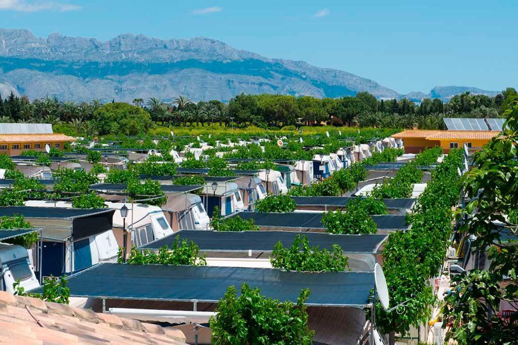 Parcelas del camping de caravanas