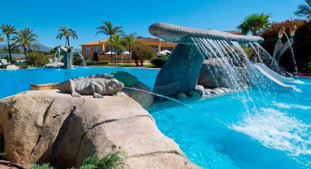 Camping con piscinas en Villamar