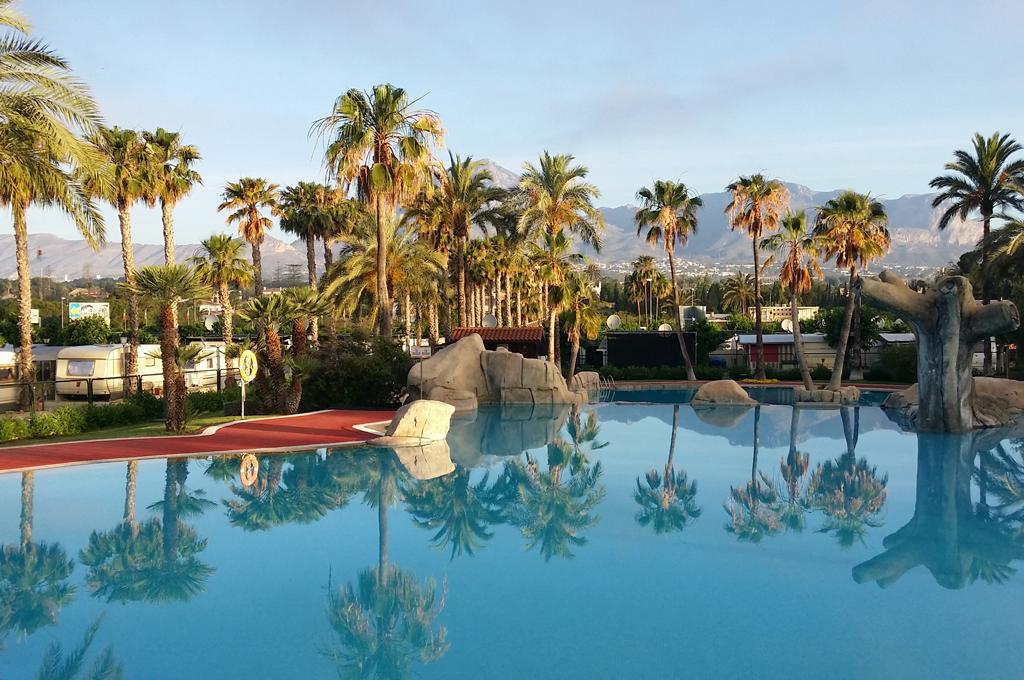 Camping-villamar-piscina