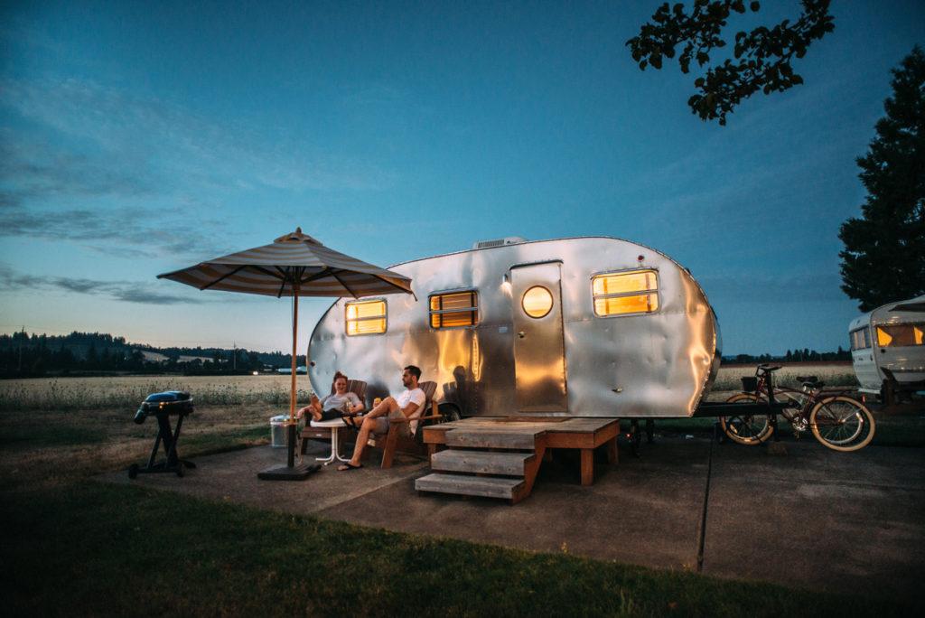 Que debo llevar a un camping